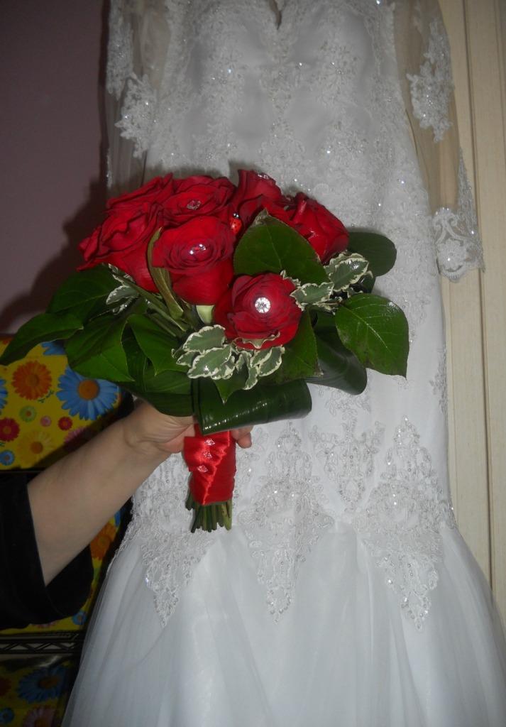 4. Bouquet da sposa con abito