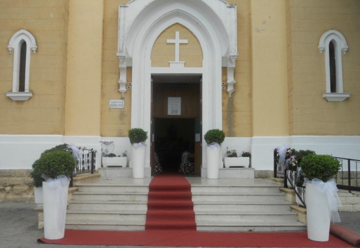 9. Esterno chiesa